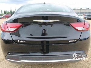 2015 Chrysler 200 Limited - Rear Back Up Camera - Heated Front S Edmonton Edmonton Area image 6