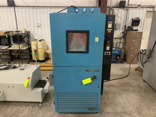 THERMOTRON S-8C Environmental Temperature Test Chamber - Cooling Issues/Display