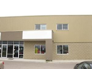 3300 SQ FT OF INDUSTRIAL SPACE MANY USES 5 YEARS NEW Kitchener / Waterloo Kitchener Area image 1