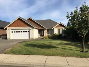 Large Walkout Family Home in Parksville