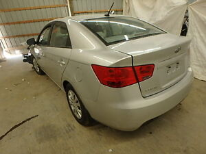 2013 KIA FORTE PARTING OUT!!!!!!!! London Ontario image 2