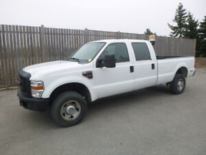 2010 Ford F350XL Super Duty Crew Cab 4x4 Pickup Truck