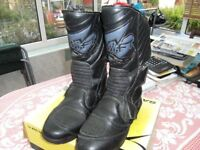 Swift motorcycle boots in very good condition size 7.