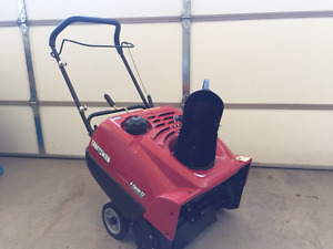 """Snowblower Crsftsman 22"""" single stage 4 cycle"""