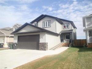 4 Bedroom Upstairs Spruce Grove Home