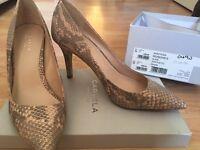 Carvela Kurt Geiger nude court shoes - NEW (40)