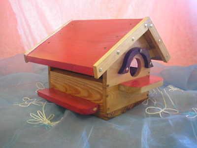 CASITA de madera para pájaros, artesanal, muy decorativa + regalo de cereales