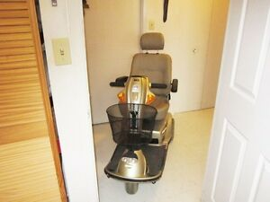 Mobility scooter in excellent condition Cambridge Kitchener Area image 1