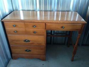 Solid Desk $25.00