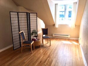 Bright Office available in Yorkville