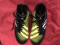 Kids Adidas Football Shoes Size 4