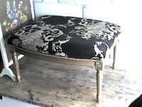 LOVELY LARGE FOOT STOOL/COFFEE TABLE/ BEDROOM SEAT