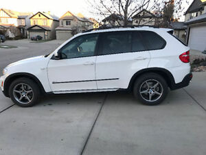 2008 BMW X5 Fully Loaded & Mint - w/2 sets of new tires and rims