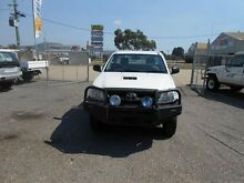 2010 Toyota Hilux KUN26R SR White 5 Speed Manual Trayback Garbutt Townsville City Preview