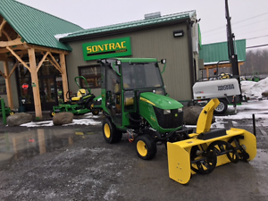 2015 JOHN DEERE 1025R - FULLY LOADED CAB - FRONT BLOWER -27HOURS