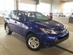 2015 Toyota Rav4 LE, AWD, Bluetooth, USB/AUX input