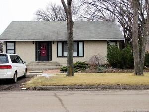 5004 52 Ave - Taber, AB