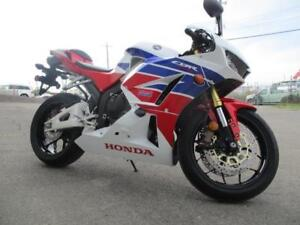 2014 Honda CBR 600 RR LIKE NEW LOW INTEREST FINANCING
