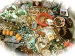 Snailsrun Vintage Jewelry & Decor