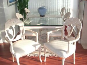 Dining table and 6 Chairs - $350