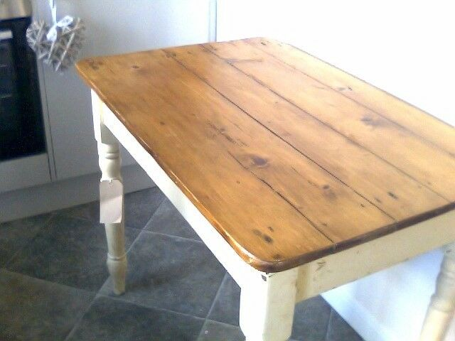 Pine Distressed Table
