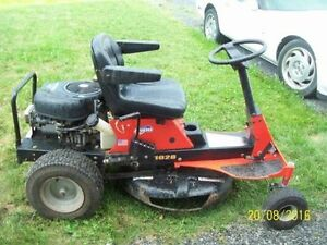 ARIENS RIDING LAWNMOWER FOR PARTS OR REPAIR