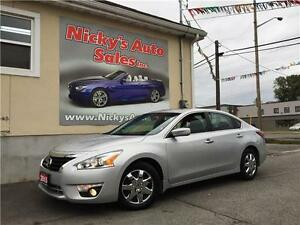 2015 Nissan Altima 2.5 SV, SUNROOF, BACKUP CAMERA, LOADED!