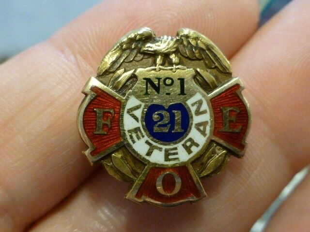 Vintage 14K Yellow Gold Fraternal Order of Eagles Veterans Pin No.1 Veteran