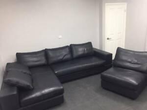 King Furniture Jasper - Black Leather / Can Deliver