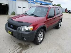 2005 FORD ESCAPE XLT 4WD, SAFETY AND WARRANTY $4,950