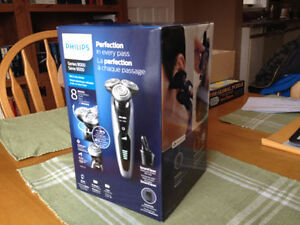 New Unopened Philips Shaver Series 9000 w/ Smartclean Save $110