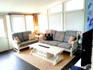 Beautiful Room Available Now Until August 26