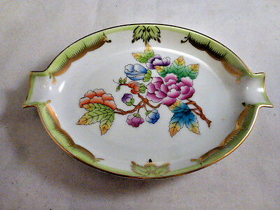 """HEREND, QUEEN VICTORIA VBO ASHTRAY 5 1/4 """", HANDPAINTED PORCELAIN !"""