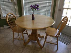 Dining Round Table