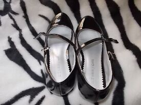 Black shoes,on a heel with silver gems,from Tammy size 2(34) older girls