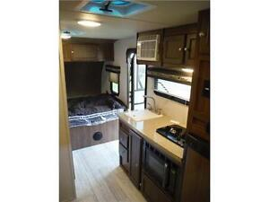 2017 Palomini 179RDS Ultra Lite Travel Trailer with Slideout Stratford Kitchener Area image 10