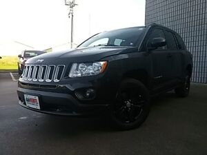 2012 Jeep Compass North 4x4 HEATED SEATS SUNROOF BLACK PAINTED A London Ontario image 3