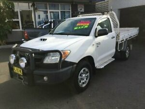 2006 Toyota Hilux KUN26R SR (4x4) White 5 Speed Manual Cab Chassis Clyde Parramatta Area Preview