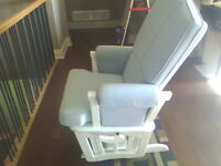 SHERMAG GLIDER ROCKER CHAIR *** NEW PRICE *** OPEN TO OFFERS !!!