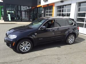 2012 BMW X5 35i SUV with BMW warranty until 160,000km