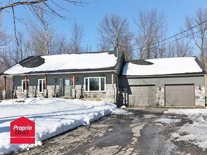 Maison à vendre secteur paisible de l'Acadie.