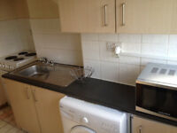 Fully Furnished Spacious Self Contained Studio apartment, Seperate Bathroom & Kitchen Leeds 9
