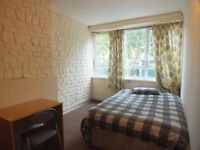 LOVELY DOUBLE ROOM AVAILABLE 6MINS BY WALK TO LIMEHOUSE DLR STATION NEAR CENTRAL LONDON ZONE 2.