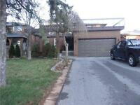 Nice And Clean Home In A Good Neighborhood in Richmond Hill