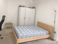 One En-suite double room to rent with own fridge freezer, including all bills-Rayners lane