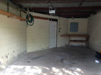 Large garage with electricity in Westdale