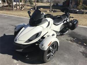 2010 Can-Am Spyder RS!! Low Mileage!! Financing Available!
