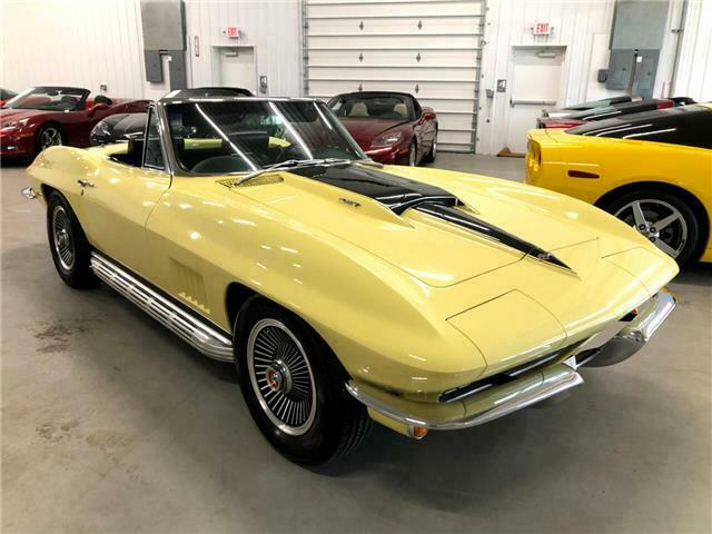 1967 Yellow Chevrolet Corvette   | C2 Corvette Photo 2
