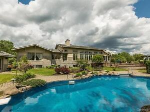 Luxueux bungalow avec garage double