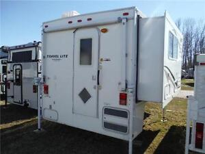 2011 Travel Lite 900SBSL Luxury Truck Camper with Slideout Stratford Kitchener Area image 3